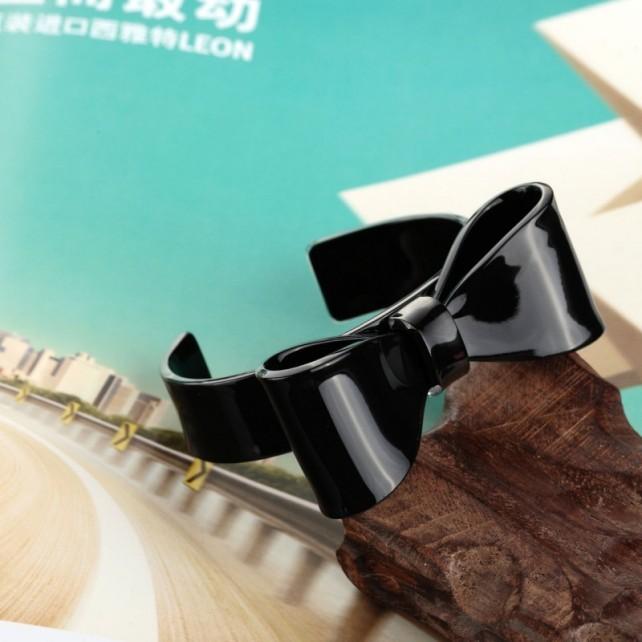 acrylic-bow-tie-cuff-bracelet-black